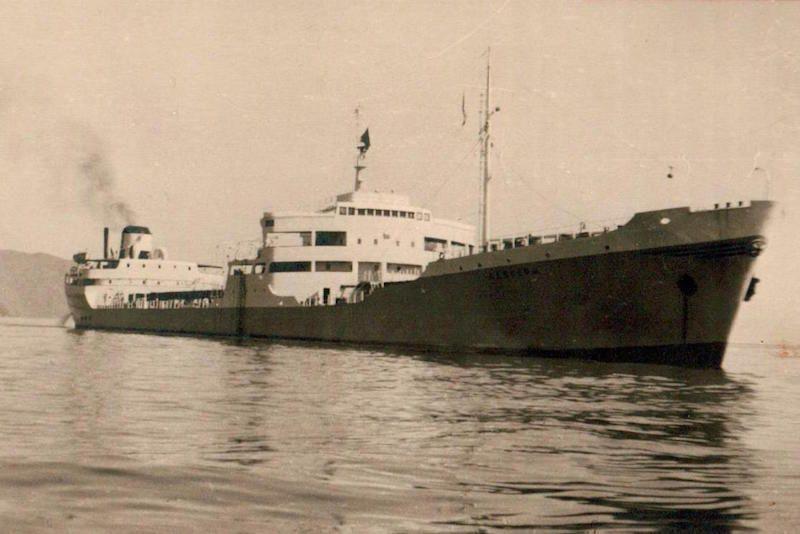 """El petrolero """"Albuera"""", construido en Cádiz y puesto en servicio en 1956"""