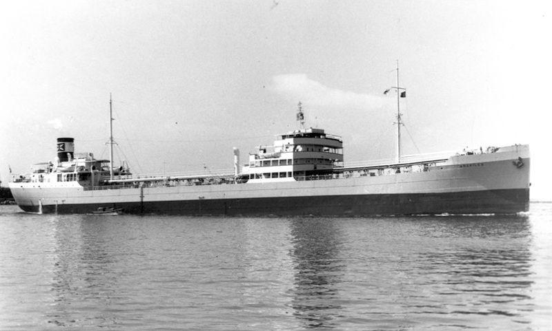"""El petrolero """"Arapiles"""", construido en 1931, había sido sueco y portugués"""