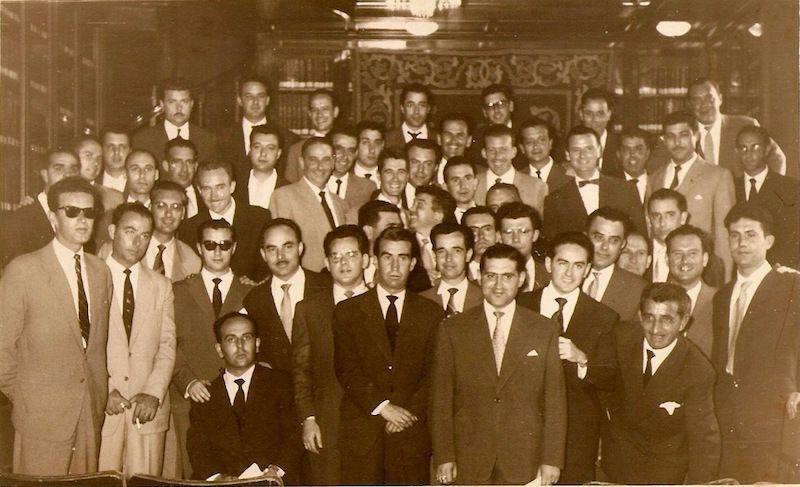 Promoción de capitanes de la Marina Mercante de 1958, en la que se encuentran José Ramón Muñoz de Bustillo y José de Barrasa Sánchez