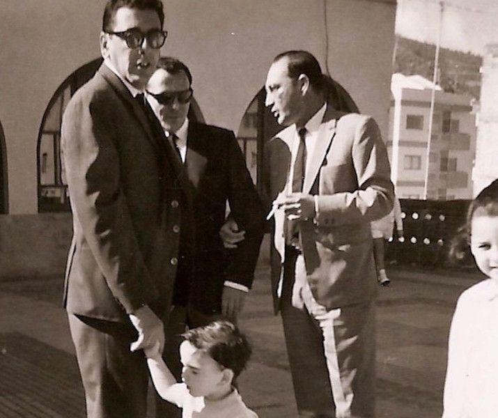 osé Ramón Muñoz de Bustillo Palazuelos (izq.) con su primo Antonio Muñoz de Bustillo Aguirre (centro) y su cuñado José de Barrasa Sánchez