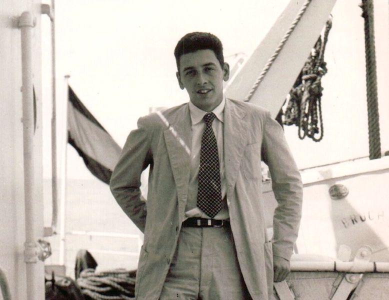 """En su primer embarque como primer oficial del petrolero """"Bruch"""""""