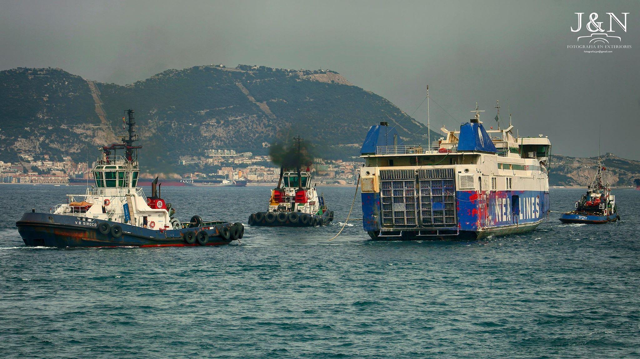 El buque llevaba algo más de cinco años amarrado en Algeciras, donde se hundió y fue reflotado