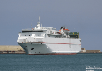 """El ferry """"Volcán de Tauce"""", objeto de enconada polémica"""