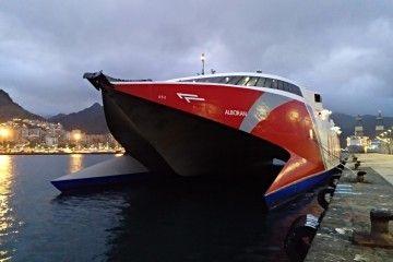 """El catamarán """"Alborán"""" hará el segundo viaje de la mañana"""
