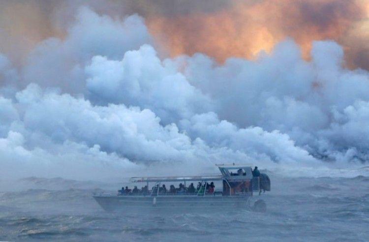 El USGS ha impuesto un límite de 300 m para la presencia de los barcos turísticos