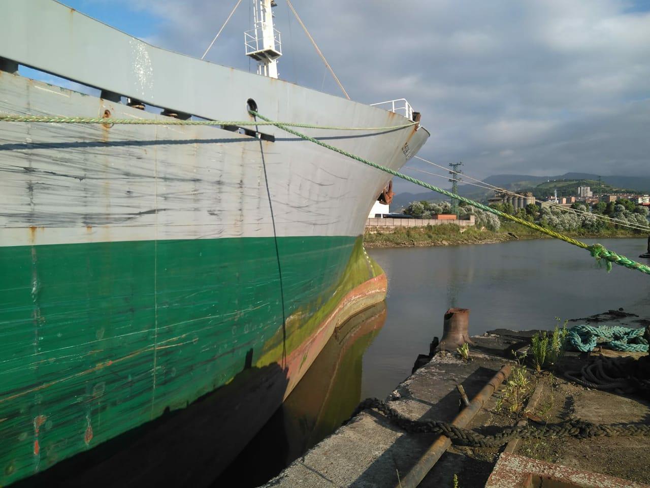 El buque se encuentra atracado en el antiguo Astilleros del Cadagua, donde se procederá a su desguace