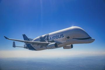 El avión Beluga XL de Airbus, en su primer vuelo