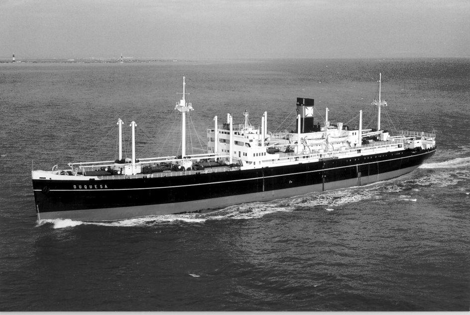 """El buque """"Duquesa"""", cuya tripulación auxilió a los ocupantes del """"Fausto"""""""