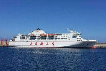 """La línea directa del ferry """"Volcán de Taburiente"""" vuelve a alterarse de nuevo"""