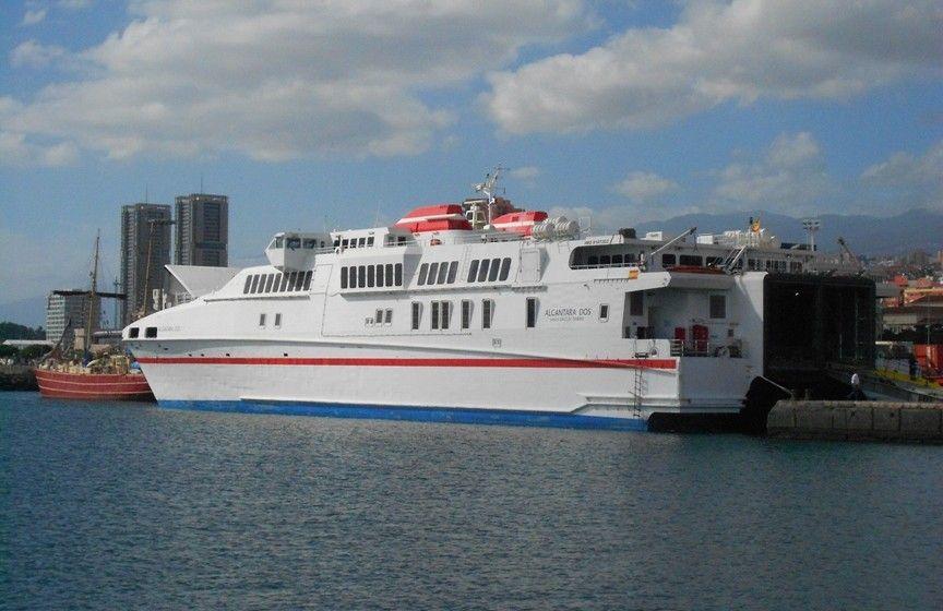 """El catamarán """"Alcántara Dos"""" ya es conocido de Naviera Armas por su resultado en la línea de El Hierro"""
