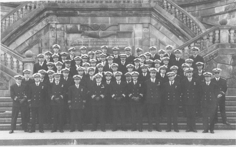 Promoción de alféreces de la Reserva Naval Activa, en la Escuela Naval de Marín, en la que figura nuestro protagonista
