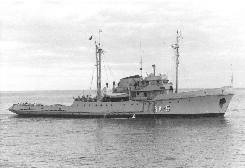 """Estampa marinera del remolcador """"RA-5"""", del que Ángel Jaime Hernández de Paz fue segundo comandante"""