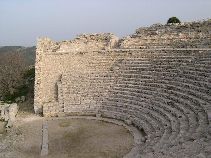 Graderío de la zona central y derecha del teatro