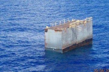 Este es el trozo del dique de Palumbo encontrado en aguas internacionales próximo a Bermudas