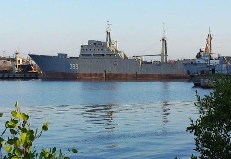 """El buque """"Río Los Palacios"""", amarrado en Cienfuegos (febrero de 2011)"""