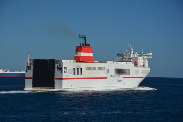 Trasmediterránea tiene los mayores buques rolones de la flota española