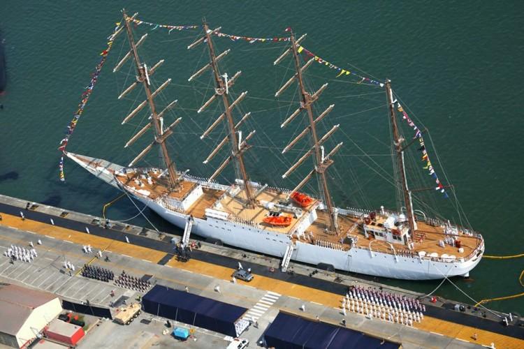 El buque-escuela peruano es de proyecto español y está asesorado por la Armada española