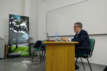 El profesor Javier Martín Pérez, en la defensa de su tesis doctoral