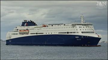 "El ferry ""Nova Star"", visto por la banda de estribor"