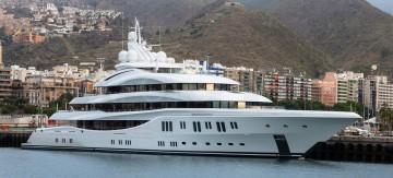 """El megayate """"Lady Lara"""", atracado en el puerto de Santa Cruz de Tenerife"""