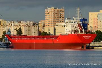 """Estampa marinera del buque """"Bahía de Alcudia"""", visto por la aleta de babor"""