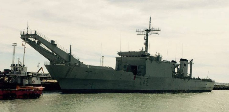 """El buque """"Pizarro"""", a la espera del desguace proaico"""