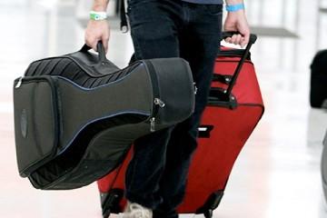 Las aerolíneas siguen poniendo trabas al transporte de los intrumentos musicales