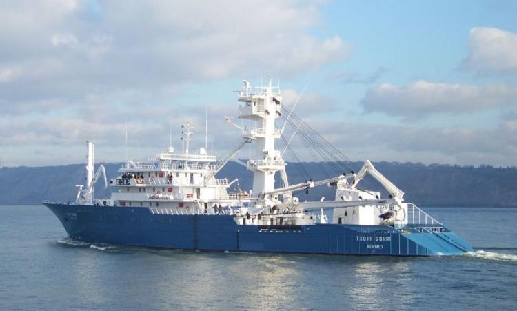 """El trágico suceso se produjo a bordo del pesquero """"Txori Gorri"""""""