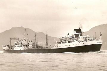 """El petrolero """"Valmaseda"""", en sus pruebas de mar"""