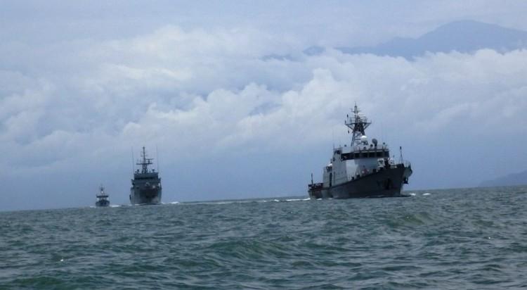 Los patrulleros, navegando en aguas de Camerún