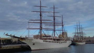 """Los buques """"Sea Cloud 2"""" y """"Sea Cloud"""", esta mañana, en el puerto de Cádiz"""