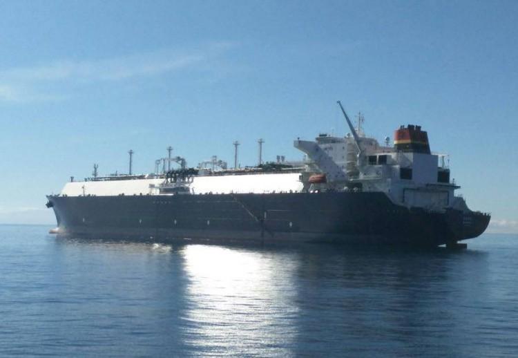 """El buque metanero """"Soyo"""", en aguas de Santa Cruz de Tenerife"""