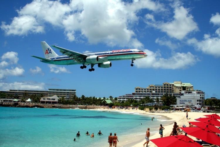 Boeing B-757 de American Airlines en corta final en el aeropuerto de St. Marteen