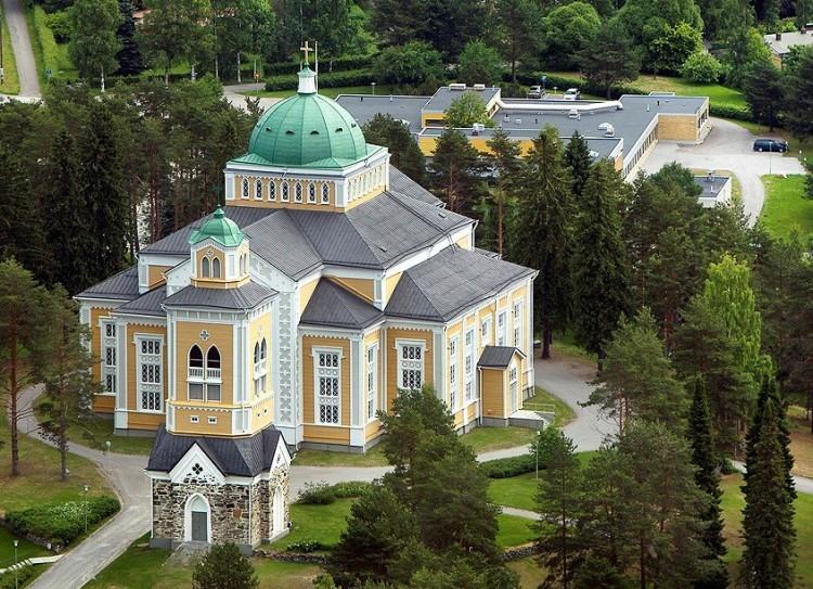 Panorámica aérea de la iglesia de Kerimäki