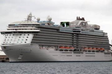 """El buque """"Royal Princess"""" se ha estrenado hoy en el puerto de Palma de Mallorca"""
