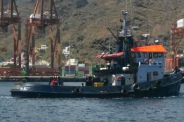 """El remolcador """"A. Gaudí"""", a su llegada al puerto de Santa Cruz de Tenerife"""