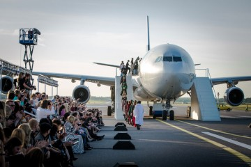 La pista 2 del aeropuerto de Helsinki se convirtió en una pasarela de moda