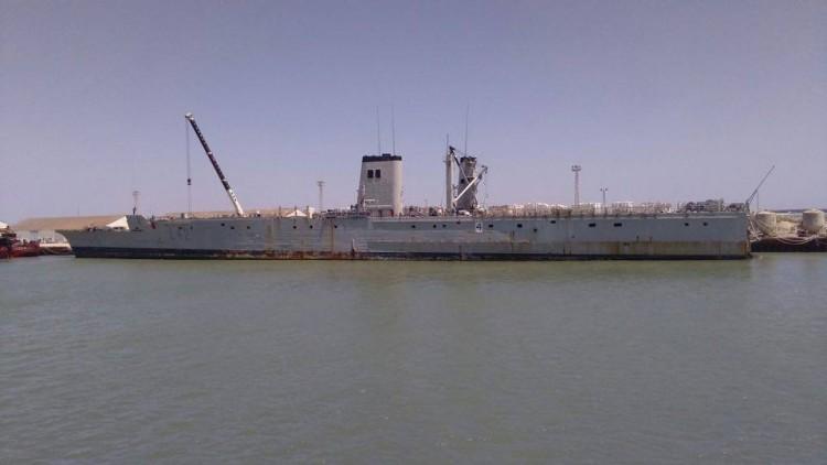 """Así estaba ayer el buque anfibio """"Pizarro"""" en su proceso de desguace"""