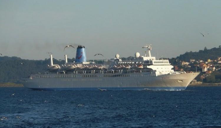 """El buque """"Thomson Spirit"""", a su llegada a Vigo"""