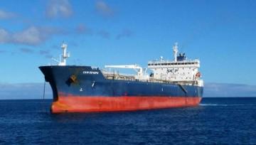 """El petrolero ruso """"SCF Pechora"""", fondeado en Santa Cruz de Tenerife"""