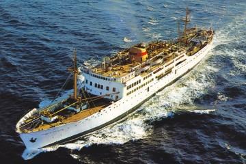"""El buque """"Ernesto Anastasio"""", uno de los barcos emblemáticos de Compañía Trasmediterránea"""