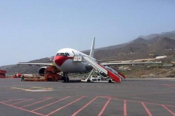 Los refuerzos de la UME llegaron a La Palma a bordo de un avión A310 del Ejército del Aire