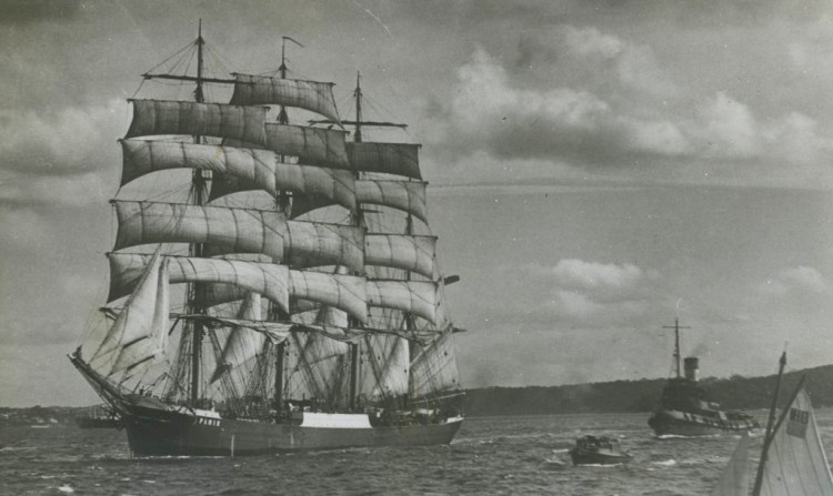 """El velero alemán """"Pamir"""", navegando con todo el aparejo"""