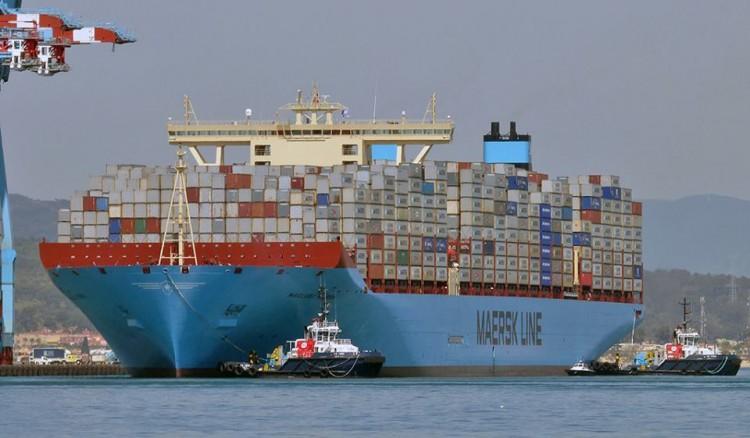 """El buque """"Magleby Maersk"""", sexto de la serie Triple E, entrando en el puerto de Algeciras"""