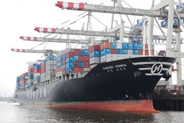 Hay más de medio millón de contenedores flotando pendientes de destino