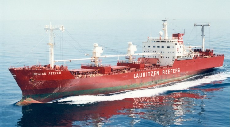 """El buque """"Iberian Reefer"""", navegando apaciblemente por el canal de la Mancha"""