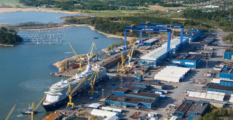 Panorámica del gran astillero de Turku (Finlandia)