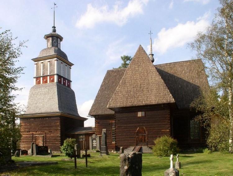 Iglesia vieja de Petäjävesi. Vista general desde el ángulo sur