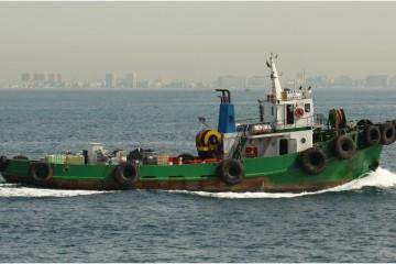 "El veterano ""Aitana del Carmen"", navegando en aguas de Algeciras"