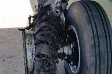 Así quedó el neumático reventado del avión de Binter